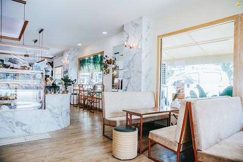 About BE  Cafe & Bistro - ตลาดใหญ่ เมืองภูเก็ต