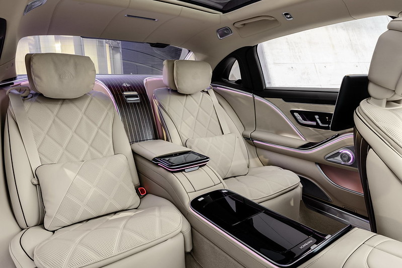 2021-Mercedes-Maybach-S-Class-36