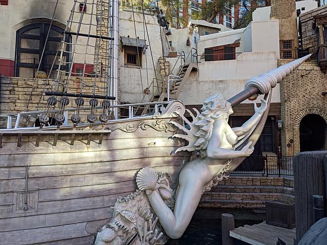 Exploring New Horizons — Gilley's Saloon, Dance Hall & BBQ — The Pirate Ship Hispaniola — Thursday/Day Five — Treasure Island Hotel & Casino — Coronavirus Las Vegas 2020