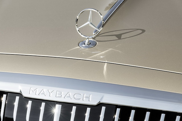 2021-Mercedes-Maybach-S-Class-16