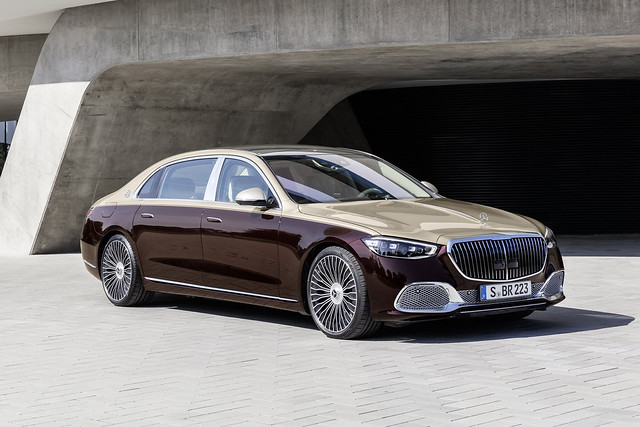 2021-Mercedes-Maybach-S-Class-8