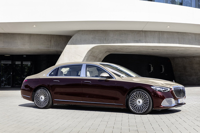2021-Mercedes-Maybach-S-Class-6