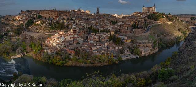 Sunrise with clouds in Toledo, Amanecer con nubes en Toledo