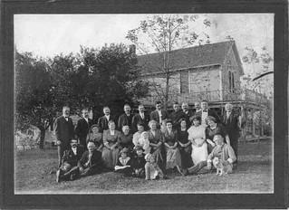2020-11-20. Bruebach family on Bruebach farm ca. spring 1912