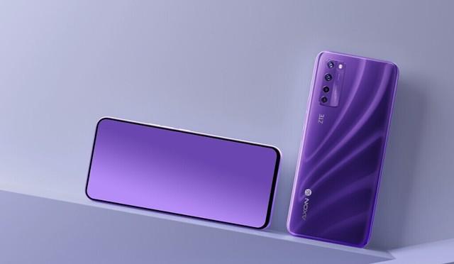 Galaxy Z Fold 3 Mungkin Jadi Telefon Pertama Samsung Dengan Kamera Dalam Skrin