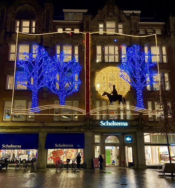 Sinterklaas bij Boekhandel Scheltema, Amsterdam.