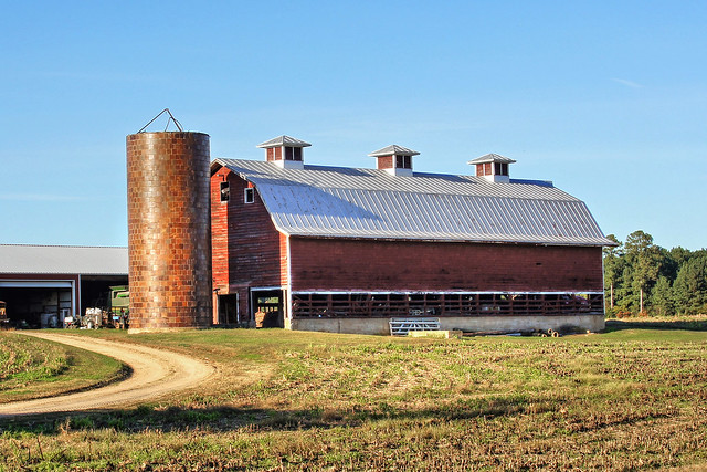 Working Barn-Westover Plantation-Charles City County Virginia 07634