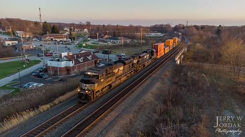 ns intersection sd70ace intermodal 1194 doublestacks overpass road curve norfolksouthern train macedonia ohio unitedstates