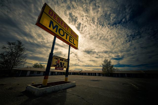Desert Sun Motel, Route 66