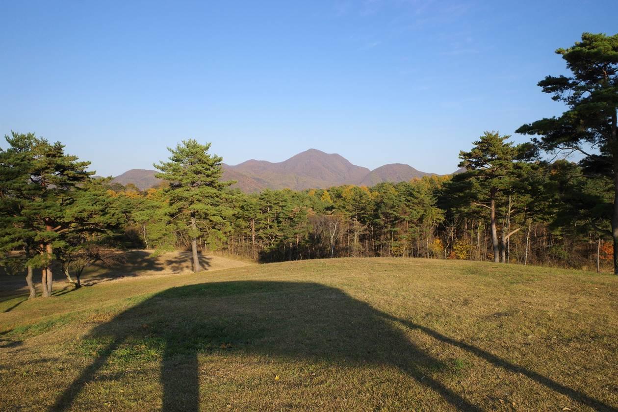 浅間牧場・展望台から眺める浅間隠山