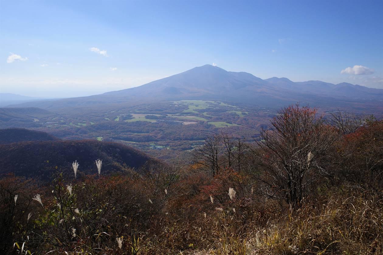 浅間隠山から眺める浅間山