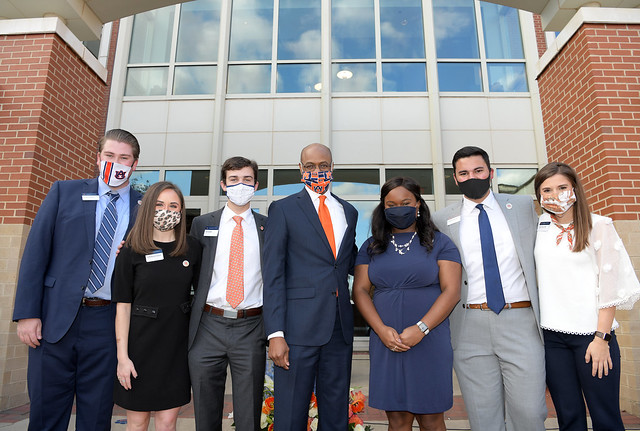 Harold D. Melton and Auburn Student Government Association officers