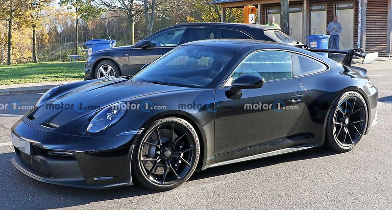 2021-porsche-911-gt3-side-spy-photo