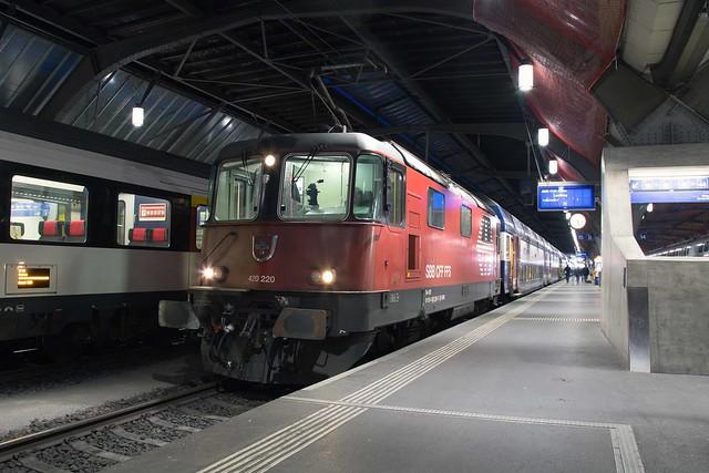 SBB Re 4/4 420 220 Zürich Hbf