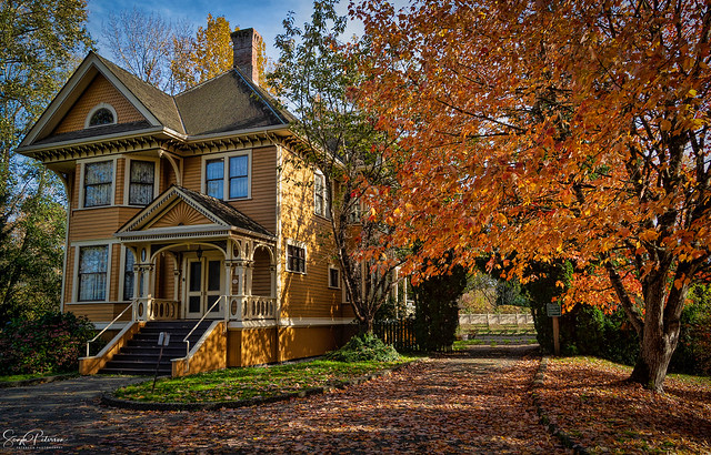 Burr House (Burrvilla) circa. 1906 -  Delta, BC (Explored)
