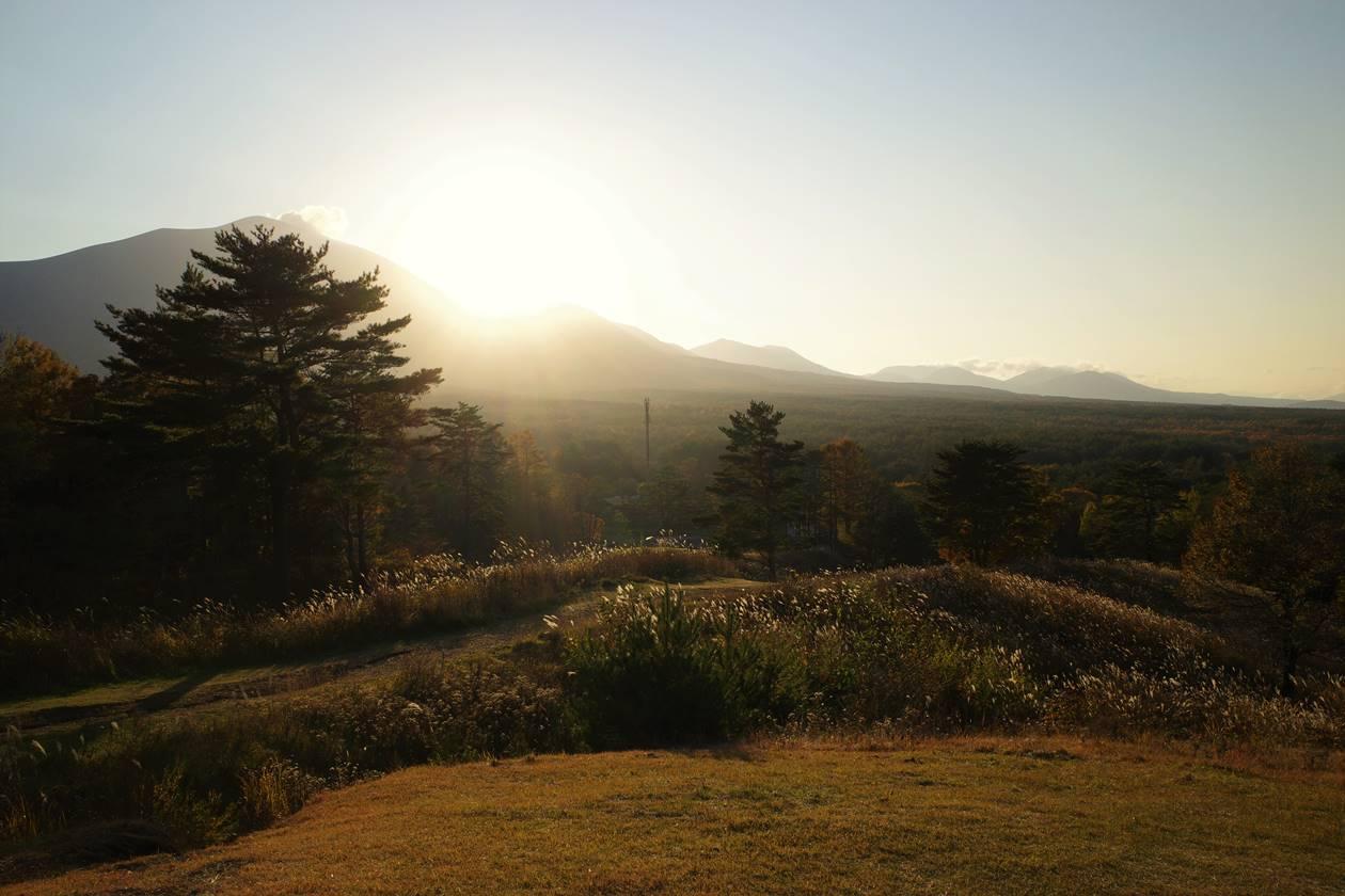浅間牧場から眺める浅間山と夕日