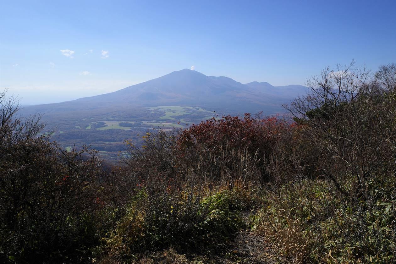 浅間隠山山頂から眺める浅間山