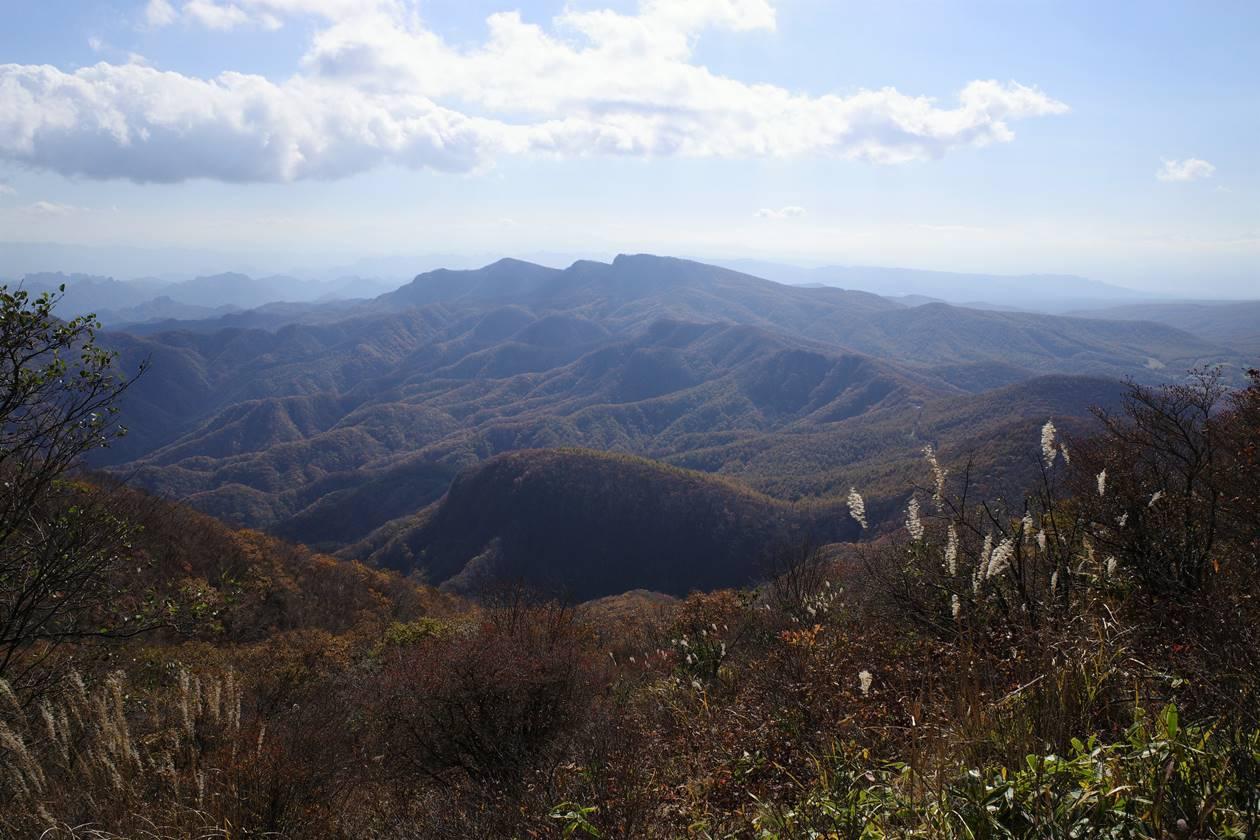 浅間隠山から眺める鼻曲山