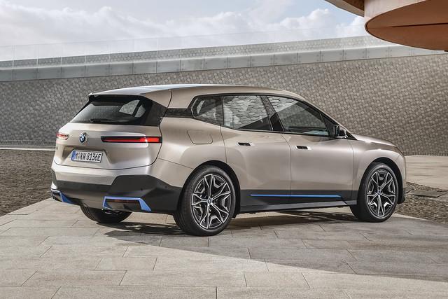 BMW-iNext-SUV-1