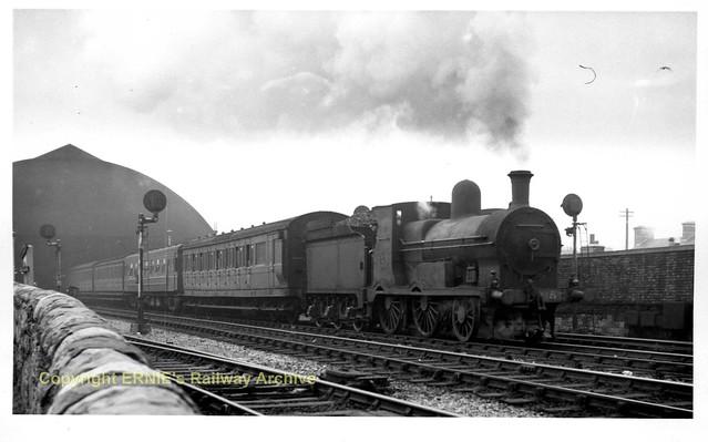 335 CIE 1956-09-05 Westland Row G2 657, 5.37 Amiens St - Bray coprint335