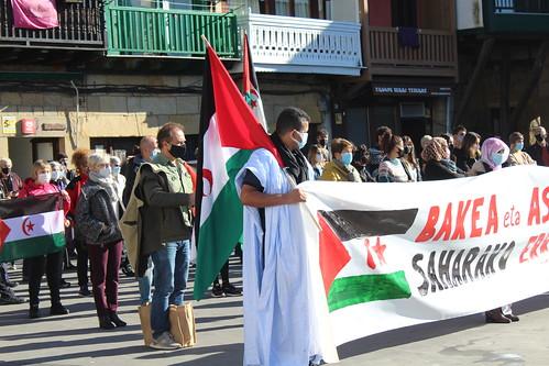 Sahararen alde hartu dituzte plazak