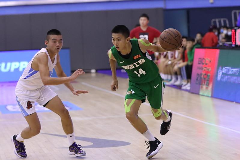 高苑工商隊長王禹承攻下33分,含7顆3分球。(高中體總提供)