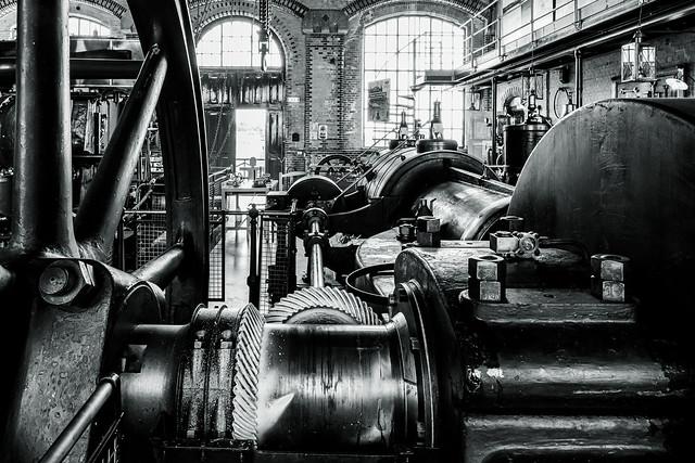 Dampfmaschine B/W