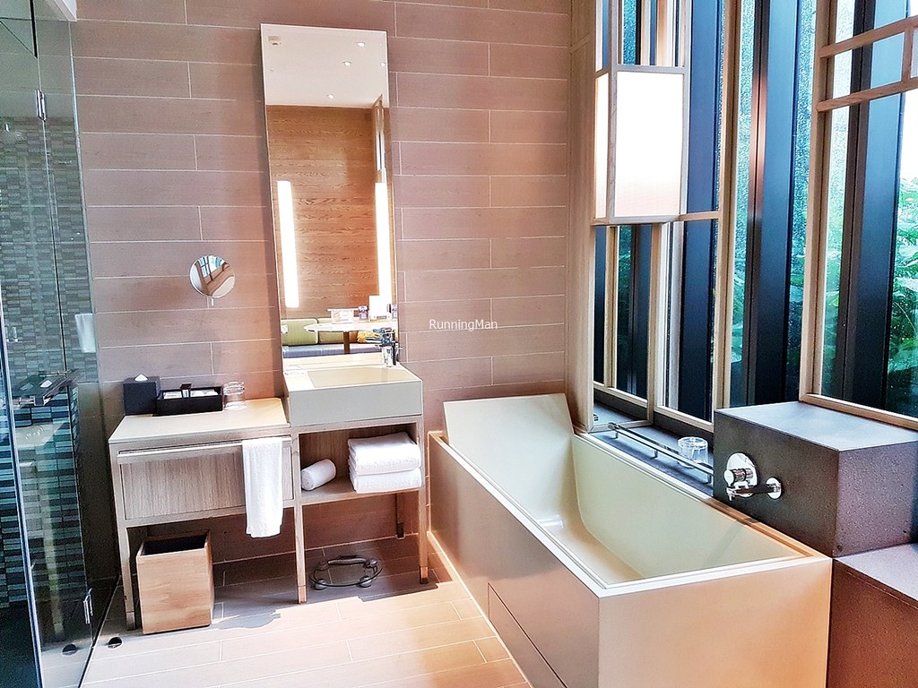 PARKROYAL COLLECTION Pickering 05 - Bathroom