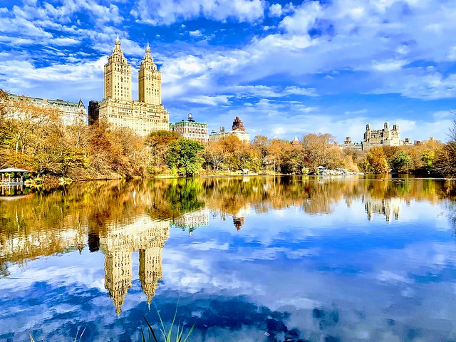 Central Park lake, Autumn in New York
