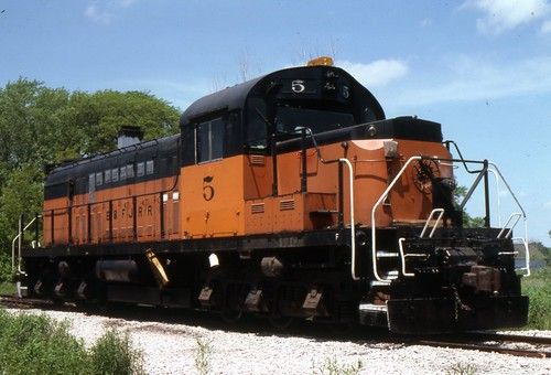 578 (as B&FJ 5) sits in the sun at Forest Junction
