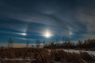 Moondogs Around the Waxing Moon | by Amazing Sky Photography
