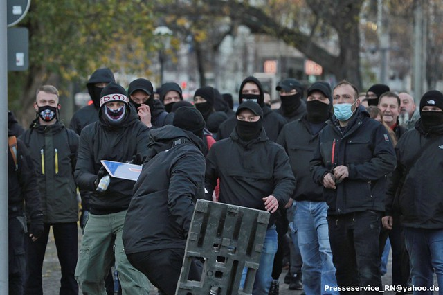 2020.11.21 Leipzig - Versammlungsgeschehen #Le2111, Fokus auf extrem Rechte (2)