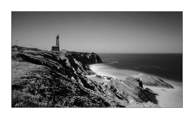 Le Phare en Monochrome