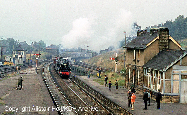 FMCCS288 5305 and 5690 Chinley