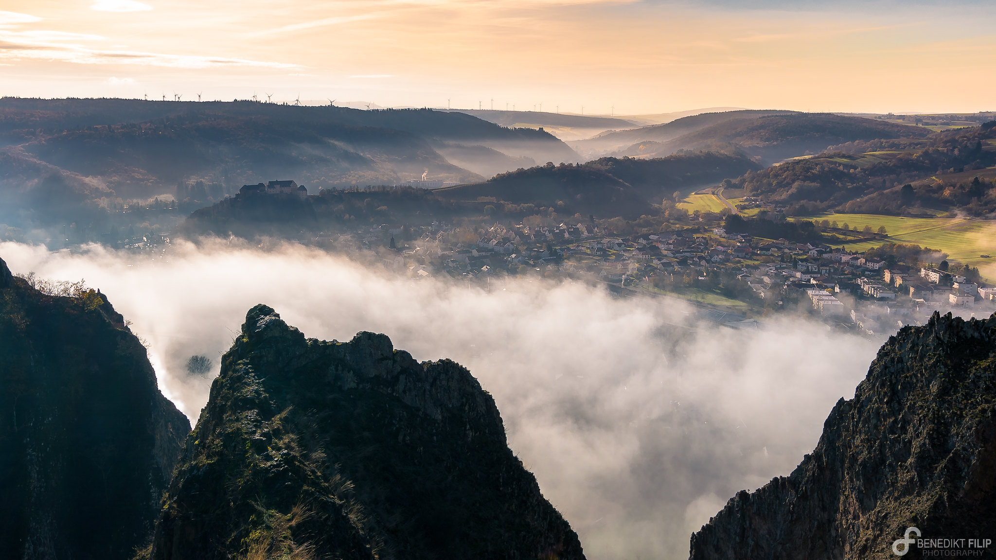 Low fog at Rotenfels rock
