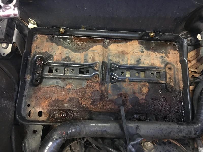 W126 battery tray