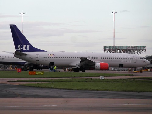 SAS Boeing 737-883, LN-RRT 'Lodyn Viking' | by Happy Snapper 61