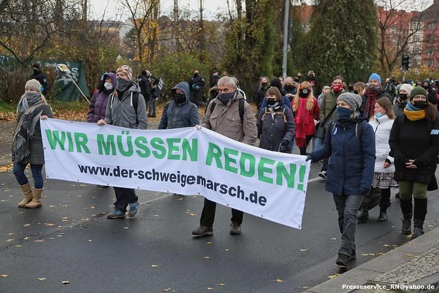 2020.11.22 Berlin - Schweigemarsch gegen Infektionsschutz (4)