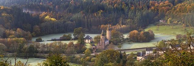 *Burg Bruch im Salmtal @ Panorama*