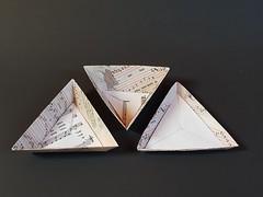 Triangular express boxes