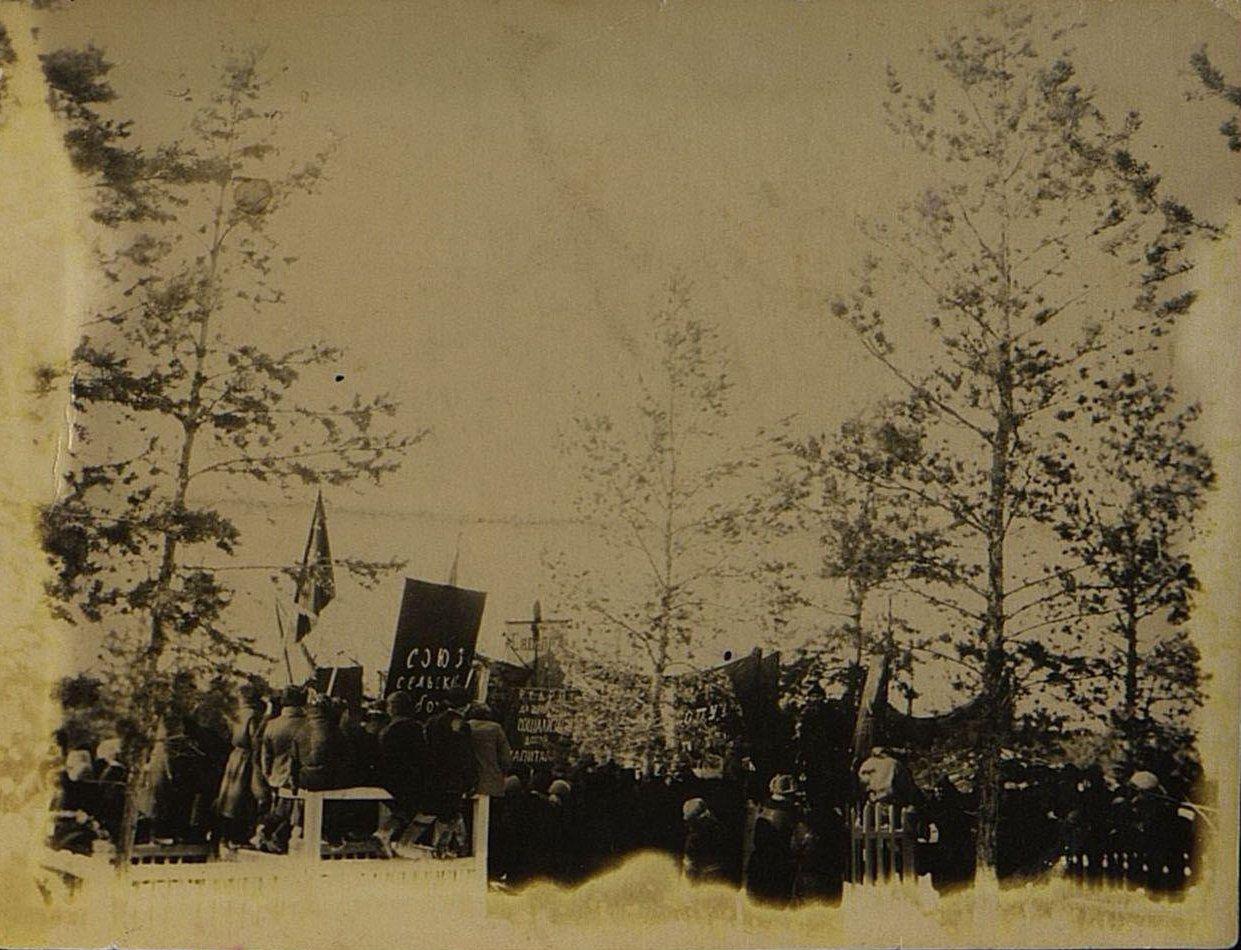 14. Март. Митинг на еврейском кладбище у могил участников якутской трагедии.
