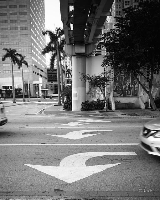 Miami mood - arrows