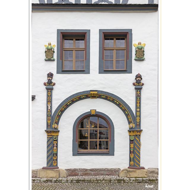 Fenster im Tor