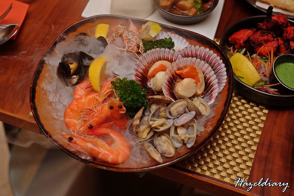 Food Capital - Grand Copthorne Waterfront Hotel -Seafood on Ice