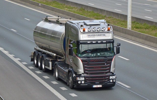 B-Nameless-Scania Streamline V8 R580 TL Silver Griffin Limited Edition