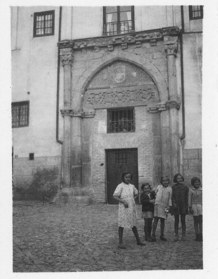 Portada del Palacio de los Toledo hacia 1933. Fotografía de Fernando García Mercadal © Fundación Arquitectura COAM
