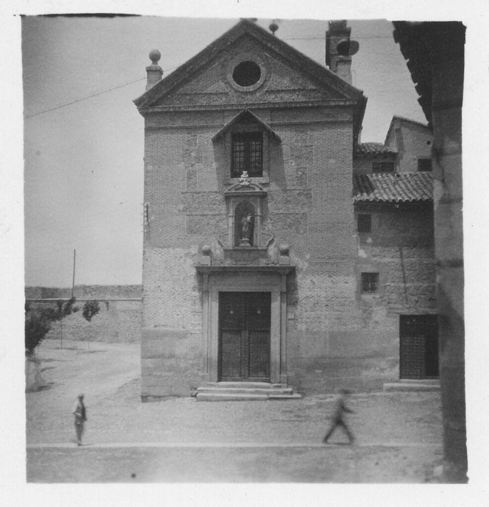 Convento teresiano y Plaza de Santa Teresa hacia 1933. Fotografía de Fernando García Mercadal © Fundación Arquitectura COAM