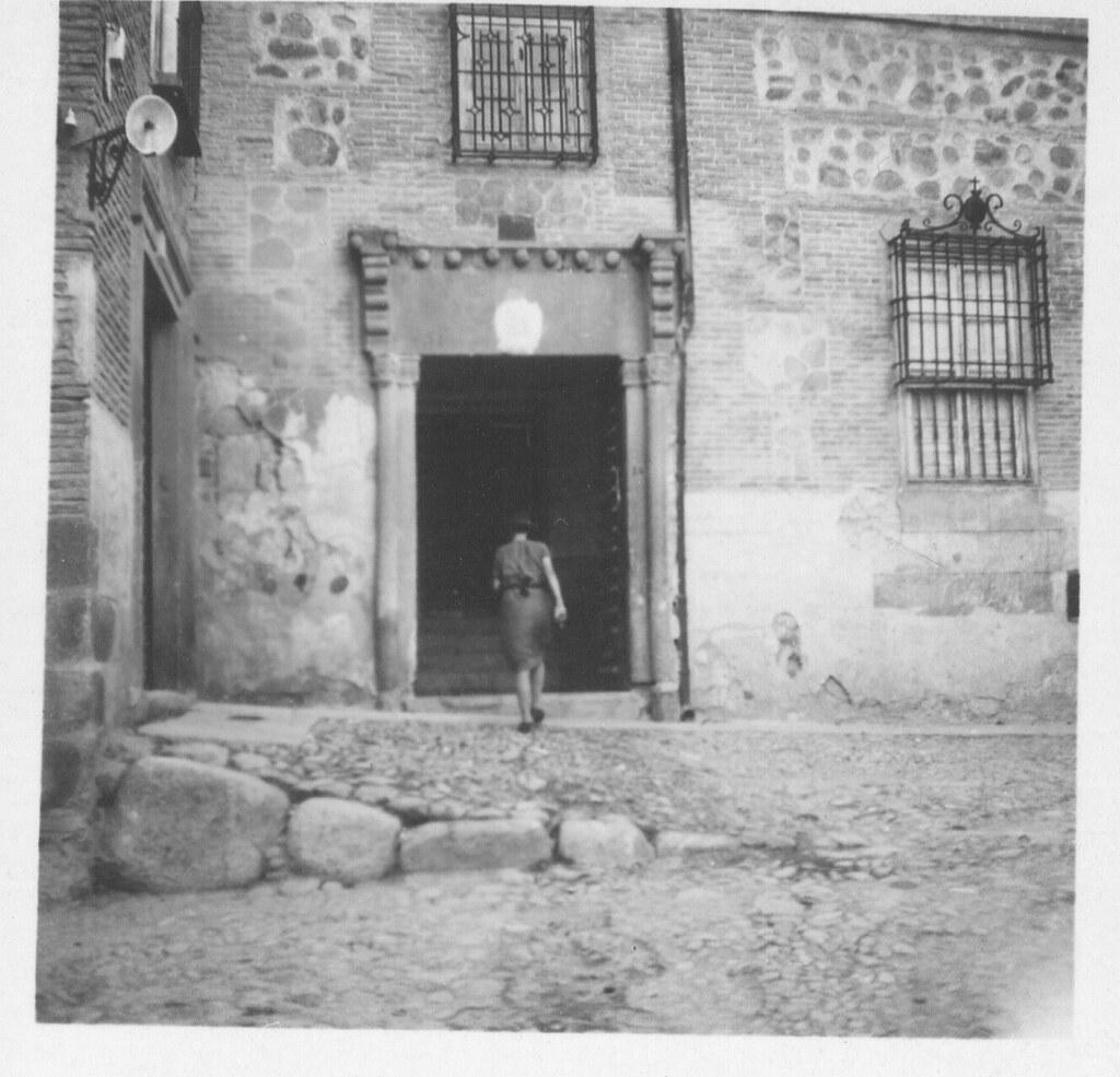 Portada del actual Hotel Santa Isabel hacia 1933. Fotografía de Fernando García Mercadal © Fundación Arquitectura COAM