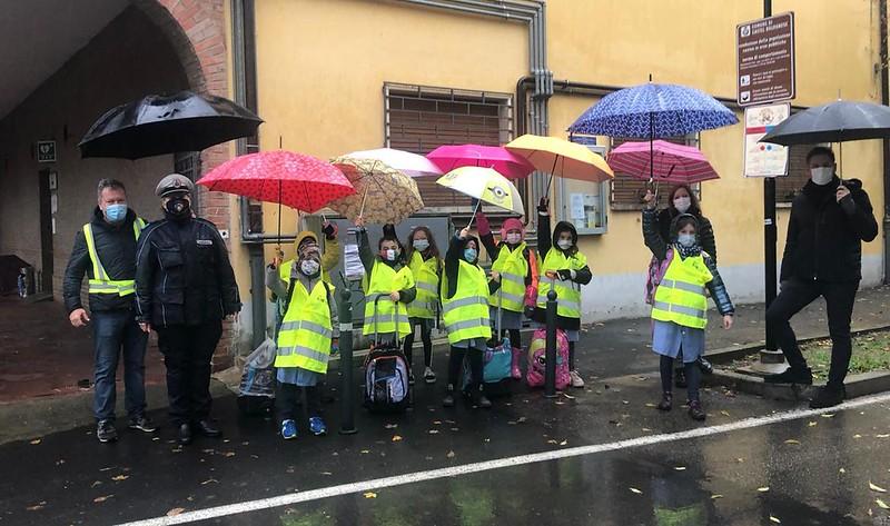 Le linee del piedibus di Castel Bolognese si colorano di giallo