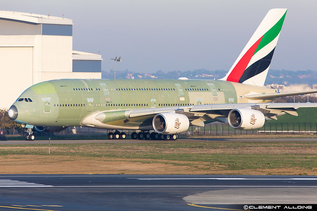 Emirates Airbus A380-842 cn 270 F-WWAJ // A6-EVQ